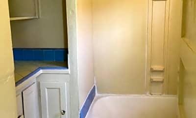 Bathroom, 1221 Robinson Ave, 2