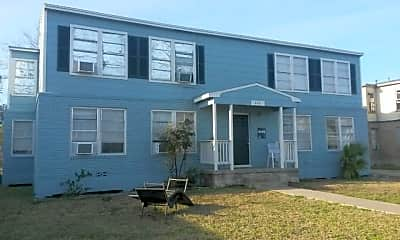 Building, 646 Robinson St, 0