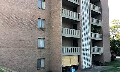 Wellington Square Apartments, 2