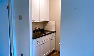 Kitchen, 31831 Grand River Ave 57, 1