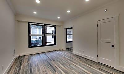 Living Room, 535 Taylor St, 1