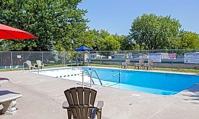 Pool, Kingswood Estates, 1