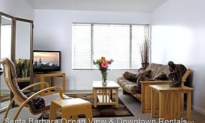 Living Room, 515 Red Rose Ln, 2
