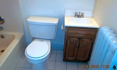 Bathroom, 2429 S Calhoun St, 2