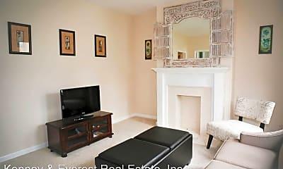 Living Room, 77 Glover St, 1