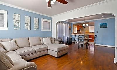 Living Room, 539 W Elm St, 0
