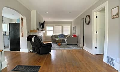 Living Room, 750 32nd St, 1