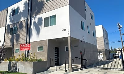 Building, 14527 Killion St 2, 0