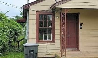 Building, 706 Carrollton St, 1
