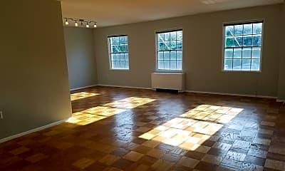 Living Room, 5301 Westbard Cir 313, 0
