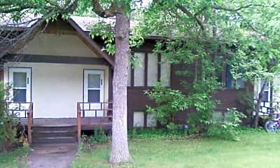 Building, 823 Doberman Ct SE, 0