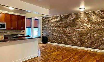 Living Room, 46 Fort Washington Ave, 2