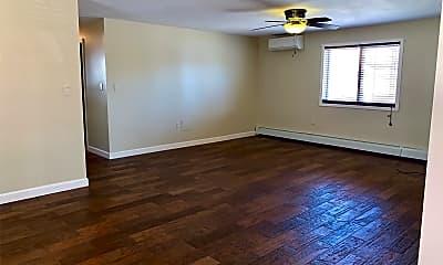 Living Room, 461 E Fulton St GARDEN, 2