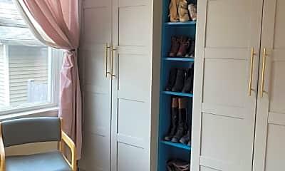 Bedroom, 3731 N Sheffield Ave, 2