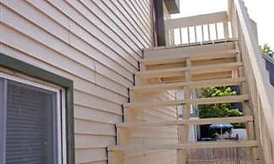 Patio / Deck, 317 E Hillsdale St, 1