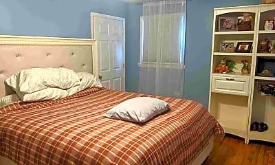 Bedroom, 126 Beacon Hill Rd, 2