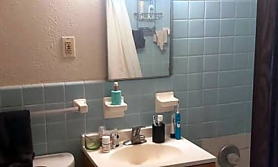 Bathroom, 4320 36 1/2 St, 2