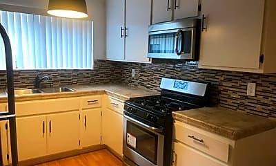 Kitchen, 629 N Kenwood St, 1