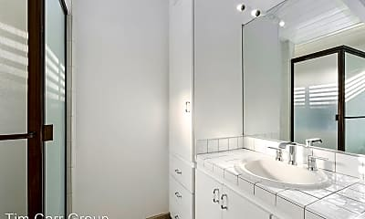 Bathroom, 2500 1st Ave, 2