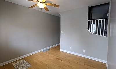 Bedroom, 470 W 2nd Ave, 1