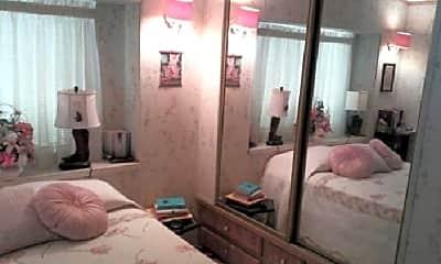 Bedroom, 4700 E Main St, 2