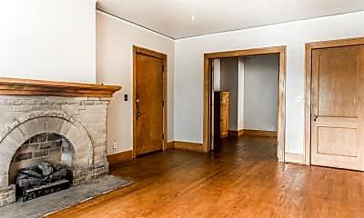 Bedroom, 1518 N Robinson Ave, 1