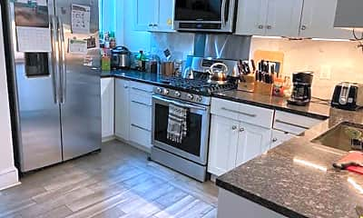Kitchen, 1331 Irving St NW, 0