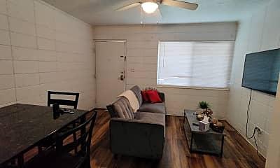 Living Room, 662 Liberty St, 1