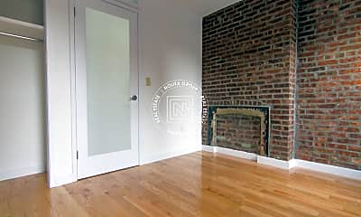Living Room, 152 E Broadway, 2
