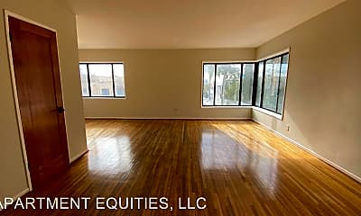 Living Room, 4425 W Maplewood Ave, 0