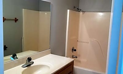 Bathroom, 1404 Diuguid Dr, 1