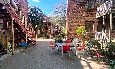Living Room, 1096 Bryden Rd, 2