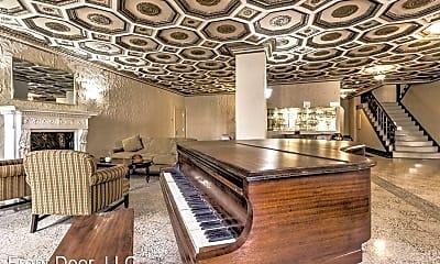 Living Room, 4616 Lindell Blvd. Carleton, 0