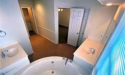Bathroom, 1017 Kirby Ave, 2