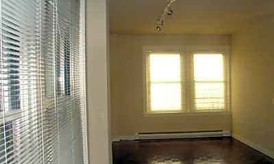 Fairmount Apartments, 1