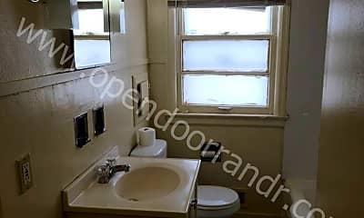 Bathroom, 1625 E Rudisill Blvd, 2