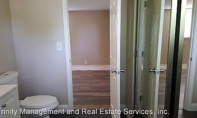 Bathroom, 723 Florida St, 2