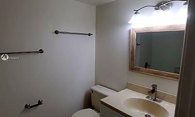 Bathroom, 10885 NW 7th St 21-33, 2