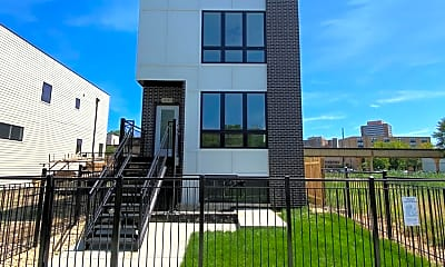 Building, 4047 S Prairie Ave 1, 0