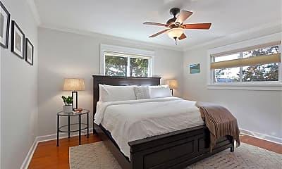 Bedroom, 523 W Hawthorn St, 1