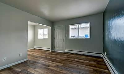 Living Room, 503 Mill St, 2
