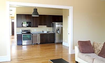 Living Room, 2900 Cherokee St, 1
