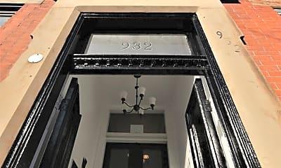 Building, 932 N Calvert St, 1