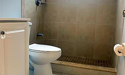 Bathroom, 469 E 13th St 469, 2
