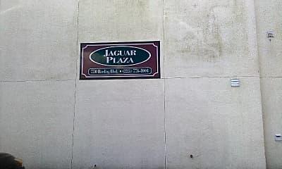 Jaguar Plaza, 1
