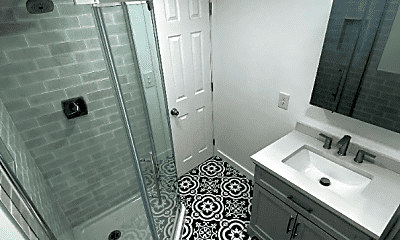 Bathroom, 9 5th St, 1