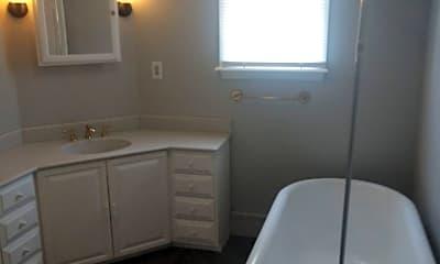 Bathroom, 918 Elizabeth St, 2