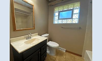 Bathroom, 322 Michigan Rd, 2