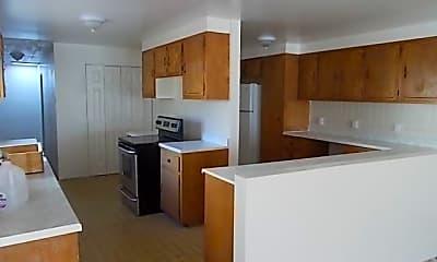 Kitchen, 5042 Antelope Rd, 1