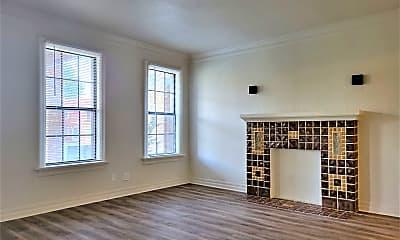Living Room, 800 East Dr, 1